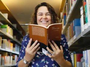 Bibliotecária Marmenha Rosário